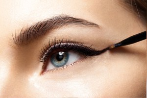 How to apply eyeliner for hooded eyes, best makeup tips  for beginners