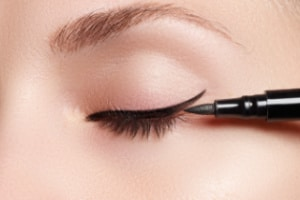 How to apply eyeliner for wide-set eyes. makeup tips for beginners