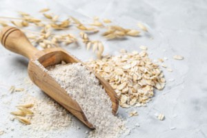 benefits of oats. homemade skincare face mask for acne, natural remedies for pimples. DIY face mask for acne