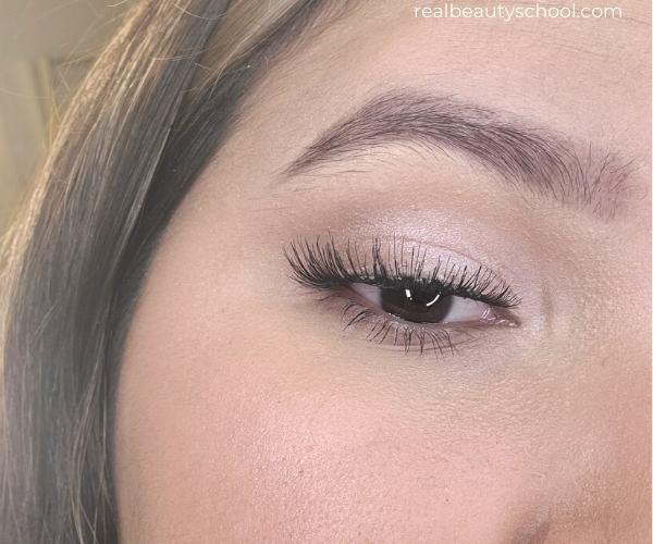 Day neutral eyeshadow makeup look
