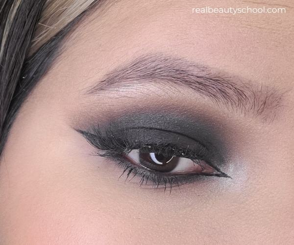 Smokey eye eyeshadow tutorial step by step for beginners