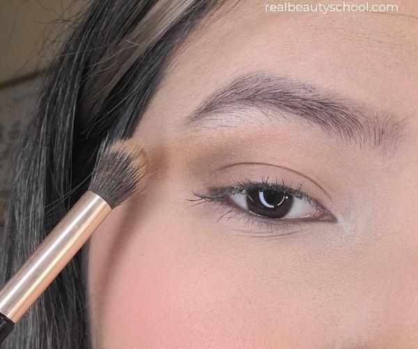 Easy eyeshadow tutorial for beginners