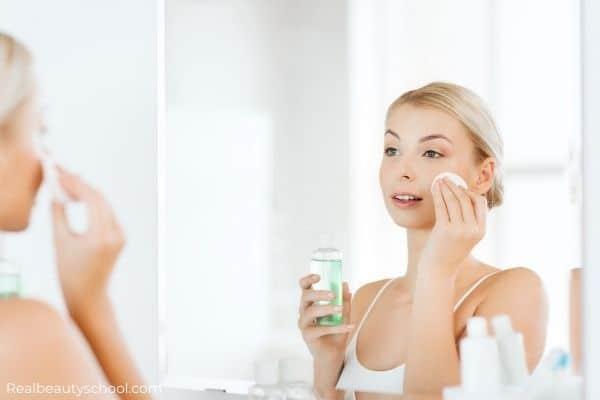 Difference between micellar water and a toner, toner vs micellar water