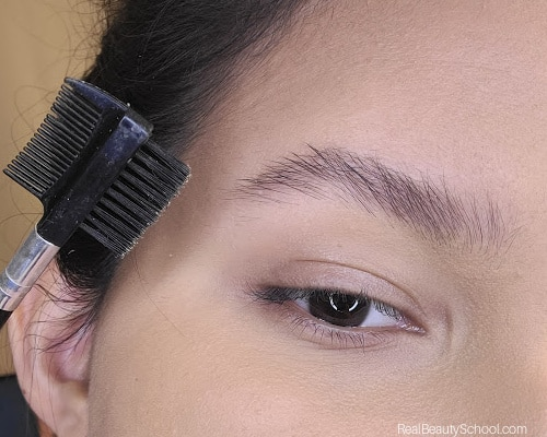 How to make your forehead appear smaller