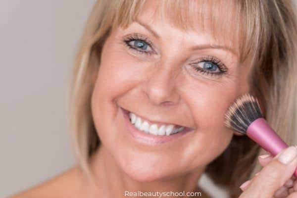 how to prevent dry, flaky foundation