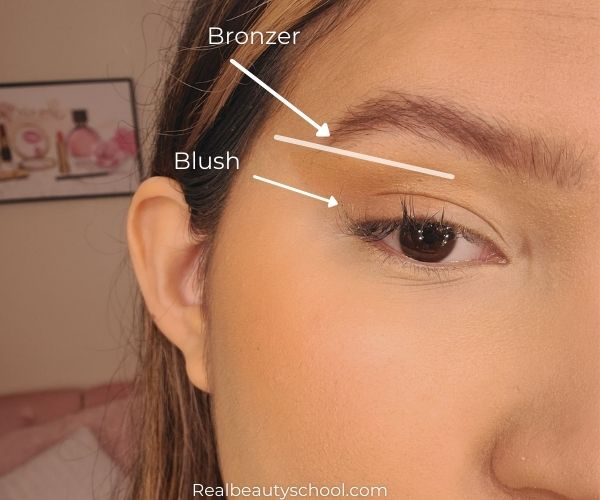 how to lift your eyes with makeup