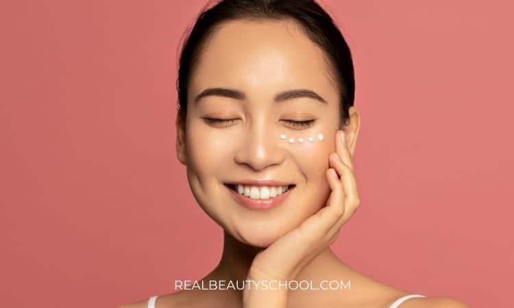 lightweight eye cream to prevent eyeliner from smudging