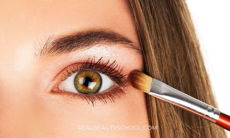 smugde eyeliner makeup look